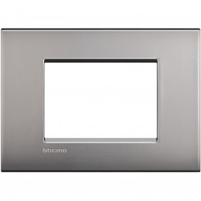 BTICINO LIVINGLIGHT PLACCA AIR 3 MODULI NIKEL...