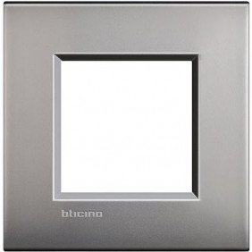 BTICINO LIVINGLIGHT PLACCA AIR 2 MODULI LNC4802NK