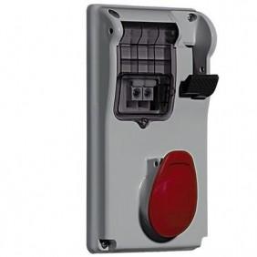 Enclavamiento del interruptor enchufe Legrand compacto 3P+N+T 3X32A+NT 400V IP44 057386