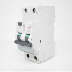 Residual interruptor de circuito de corriente de GE 32A 4.5 KA 0,03 Tipo C de la Curva de 690161