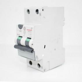 Residual interruptor de circuito de corriente de GE 16A 4.5 KA 0,03 Tipo C de la Curva de 690158