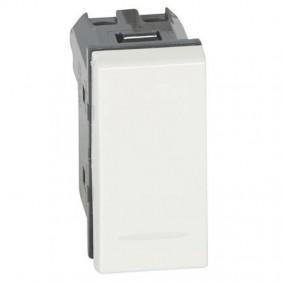 Switch Legrand Vela white single pole 10A 687001