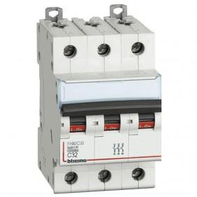 Bticino circuit breaker 3P C 32A 10kA 3 modules...