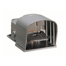 Footswitch LOVATO metal housing 1NO+1NC KR200S11